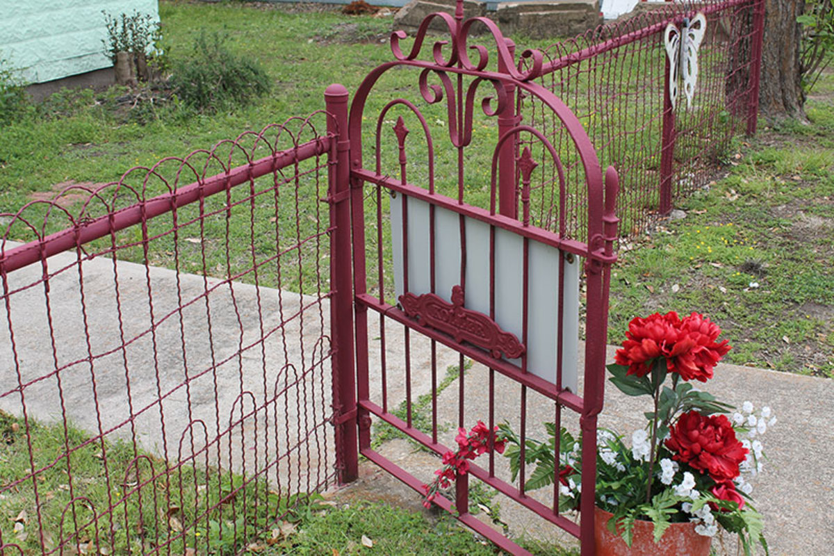 charming-yard-and-garden-gates-how-to-build-a-functional-gate-that-will-last