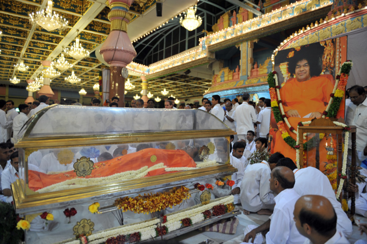 The final darshan of Bhagawan Sri Sathya Sai Baba.