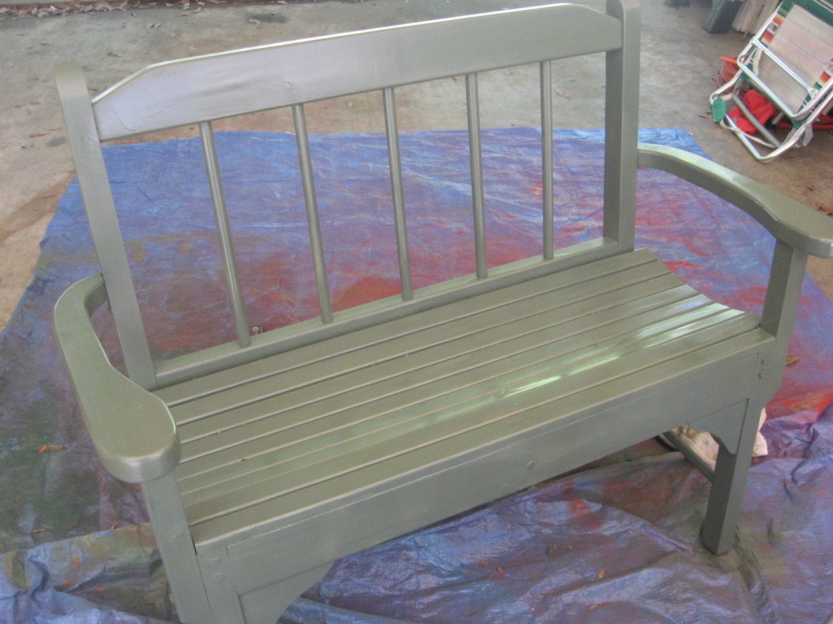 I painted the bench olive green.