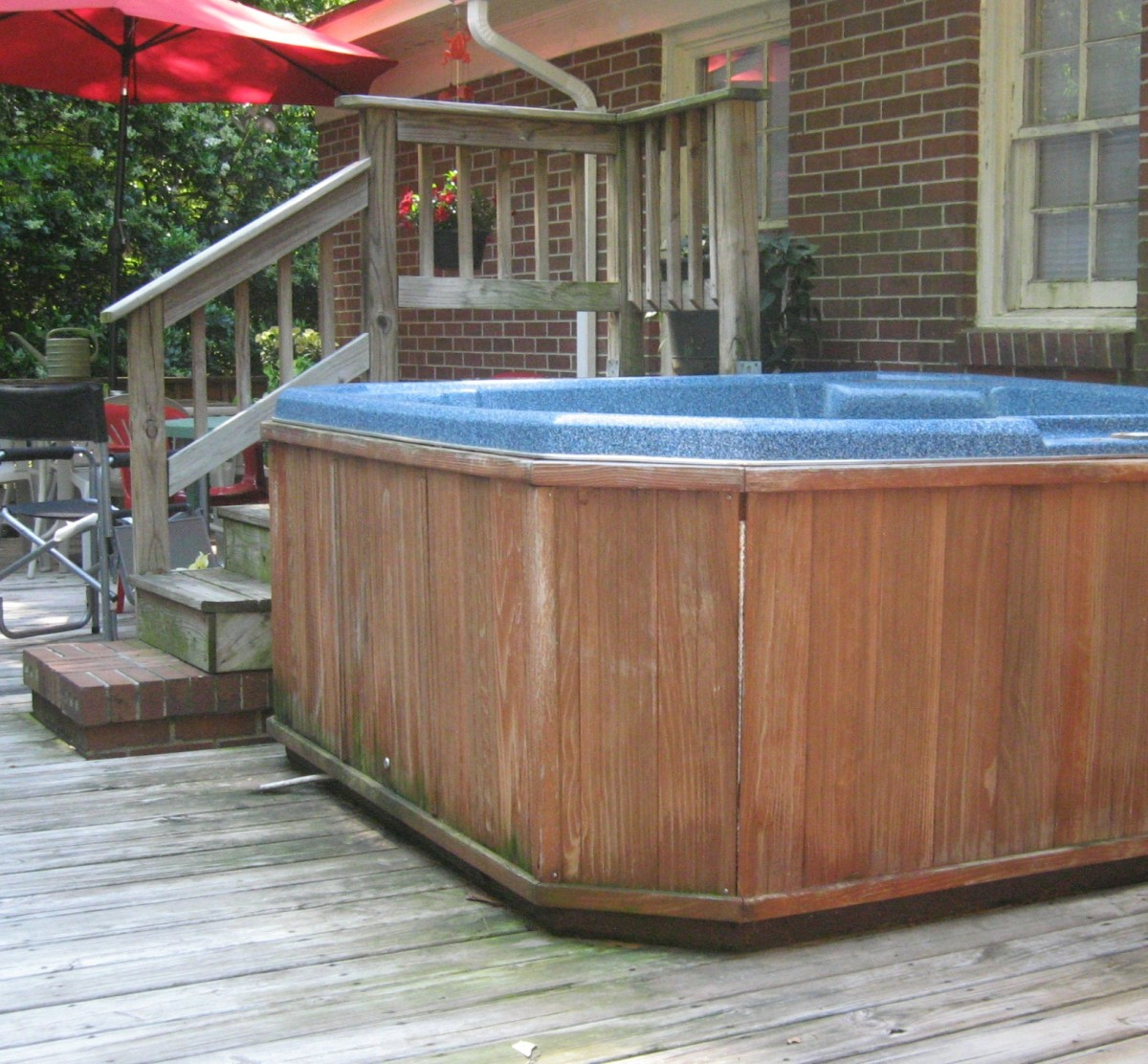 hot tub and stairs