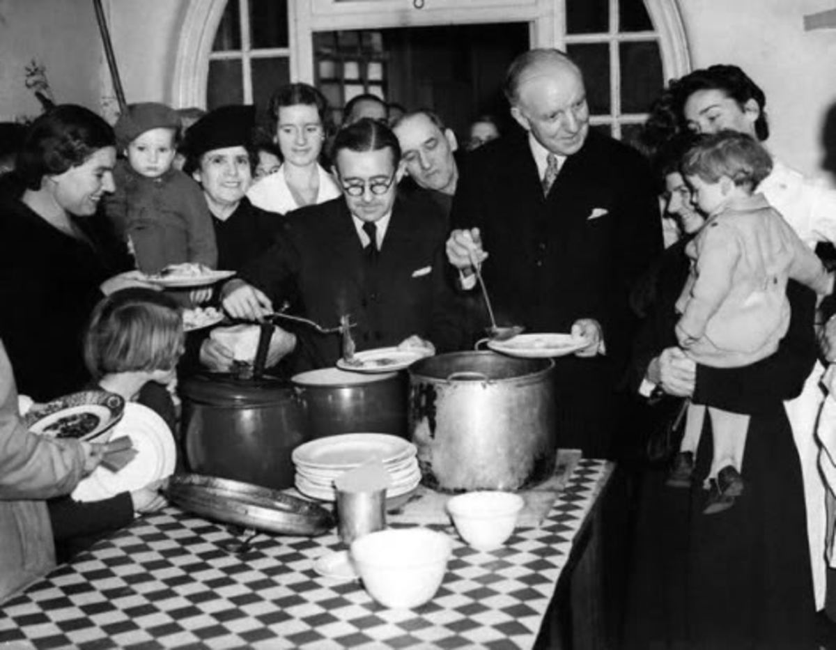 Lord Woolton Minister of Food WW2 on right