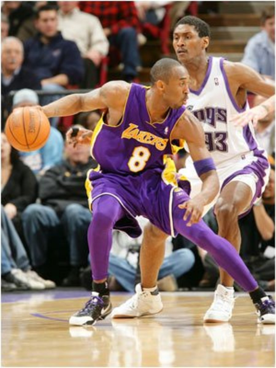 Kobe Bryant wearing purple spandex. Really Kobe? This is for protection?
