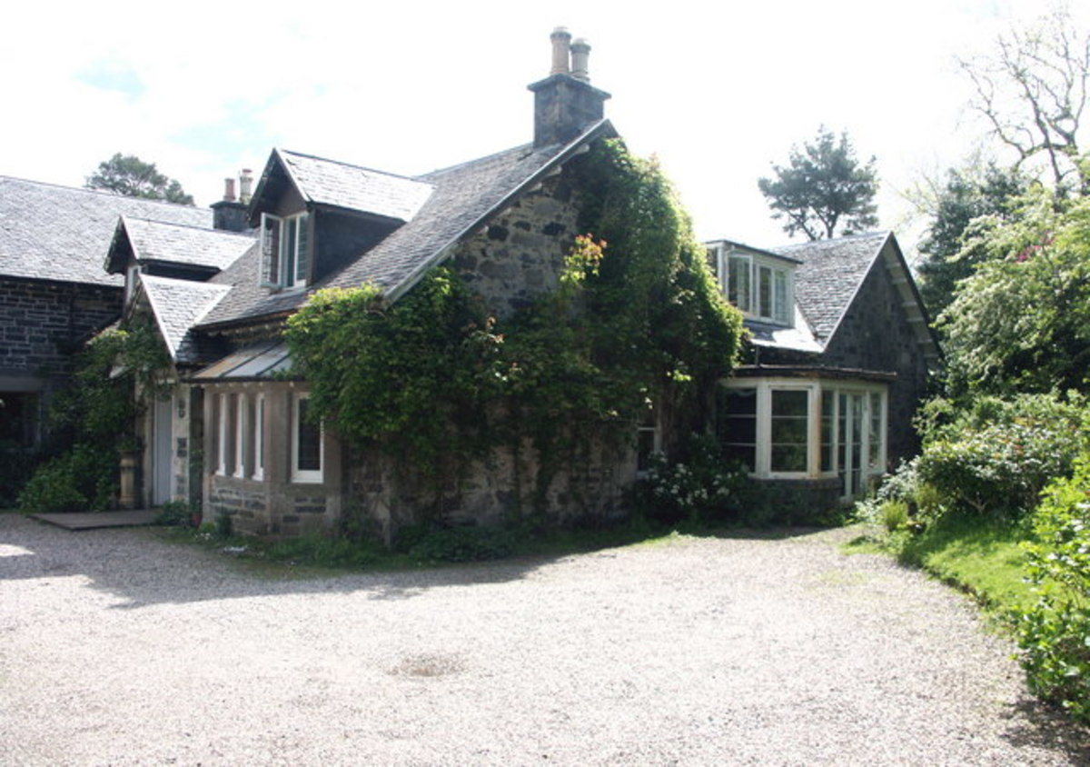 Garramore House, Dumbartonshire - a typical 19th centiry house.  Did Charles and Mary Musgrove live in a house like this?