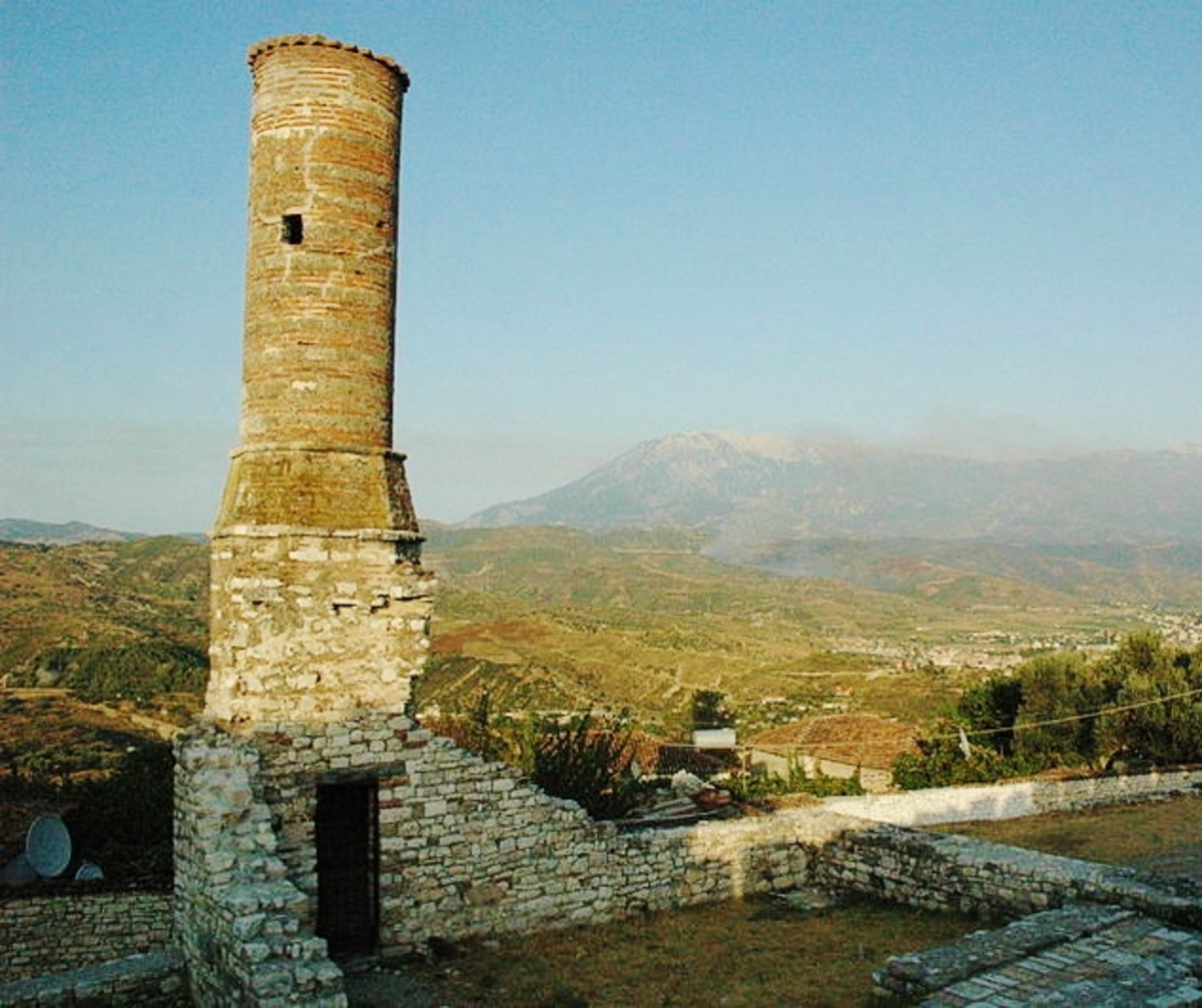 Castle ruins in Berat, Albania. Photo by Jason Rogers (Creative Commons)