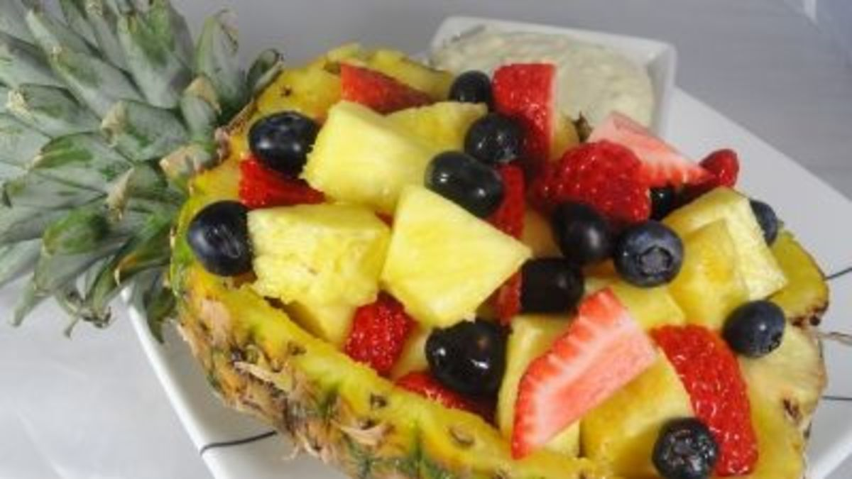 Fill the pineapple boat.  You select which fruit to use.