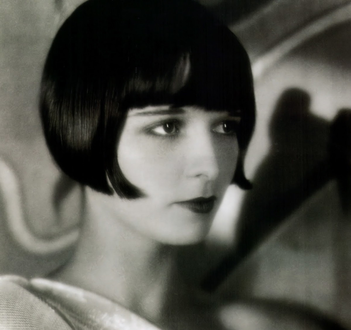 1920s icon, Louise Brooks, wearing a short bob typical of the era