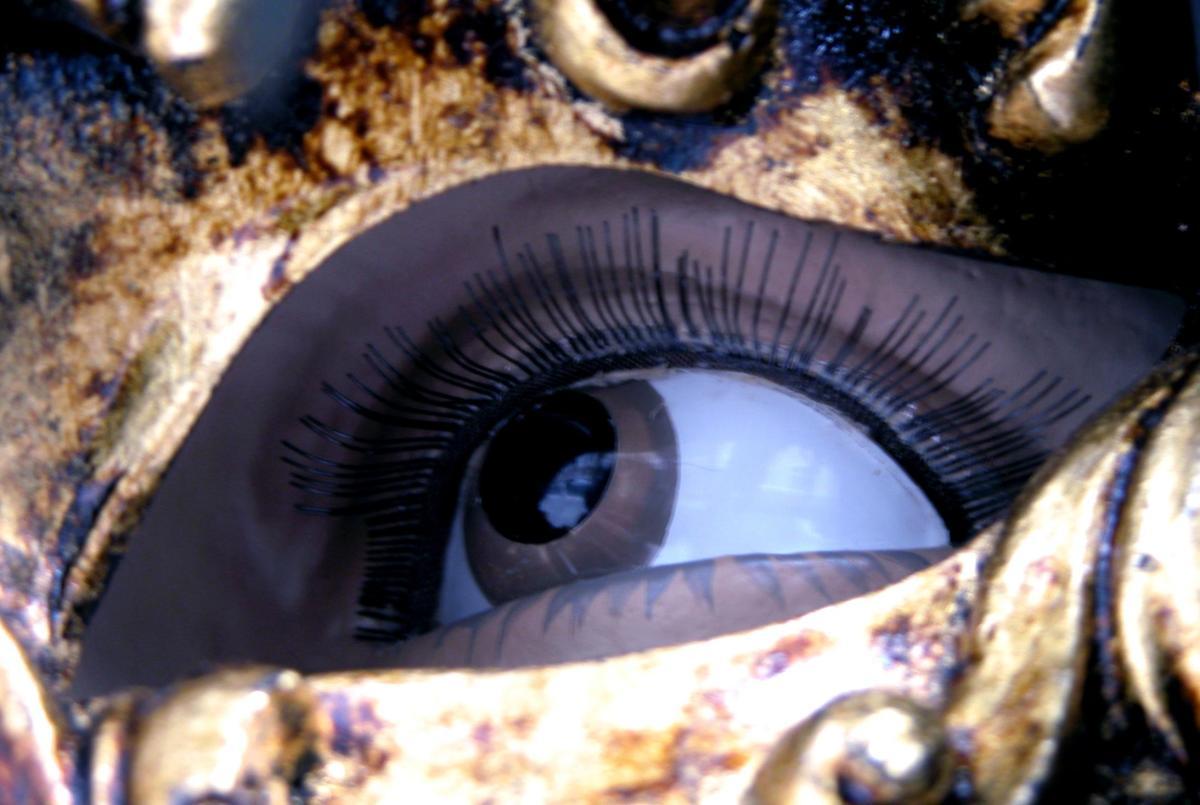rejuvenating-under-eye-serum