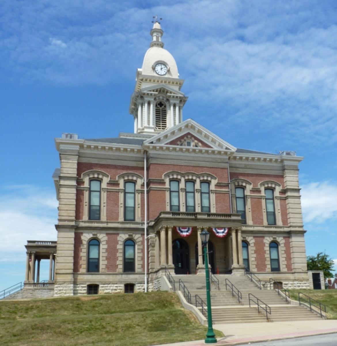 Four Brush lights were hung from the Wabash County Courthouse for the first lighting in 1880