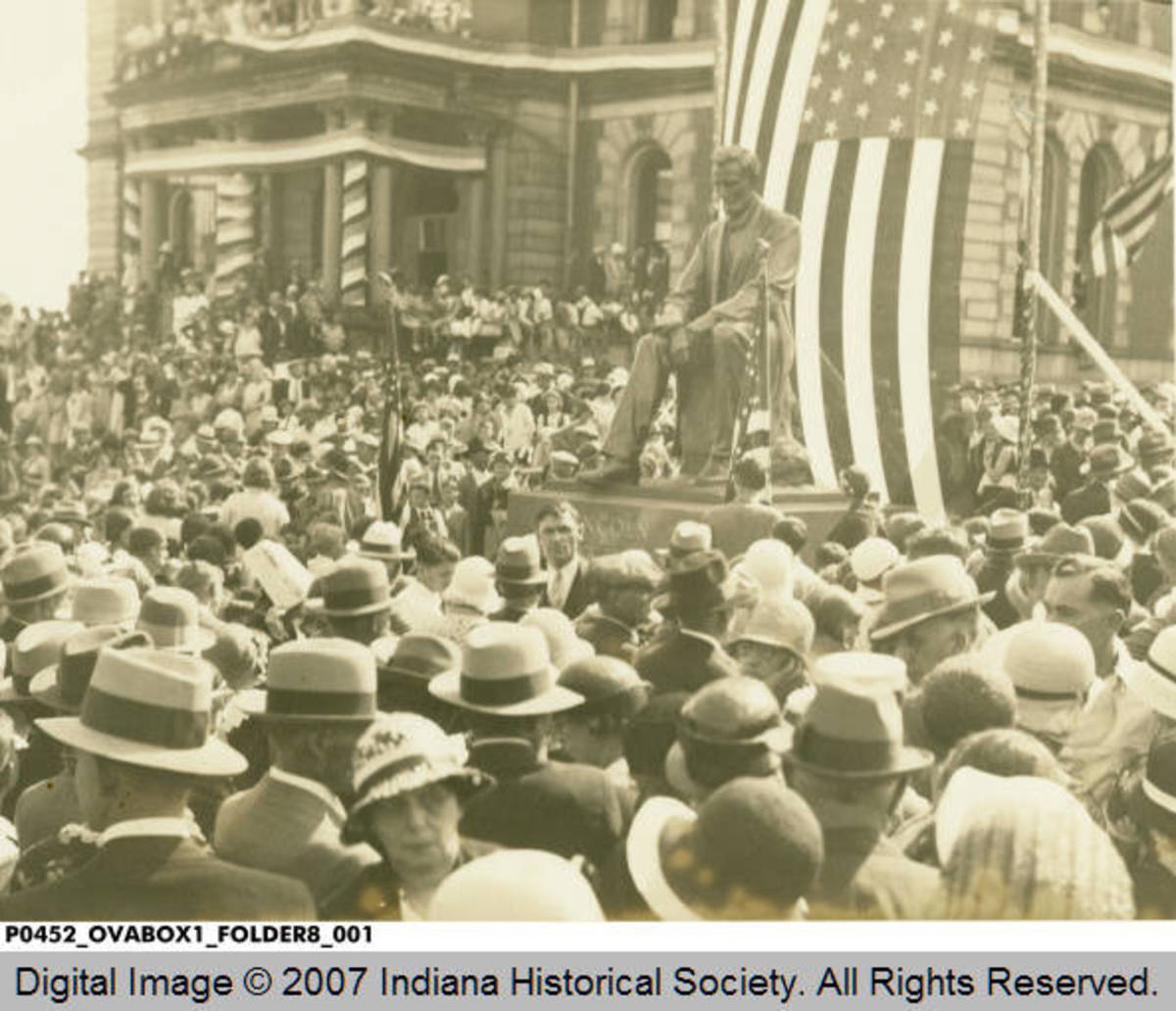Dedication of Abe Lincoln Statue on Memorial Day, 1932