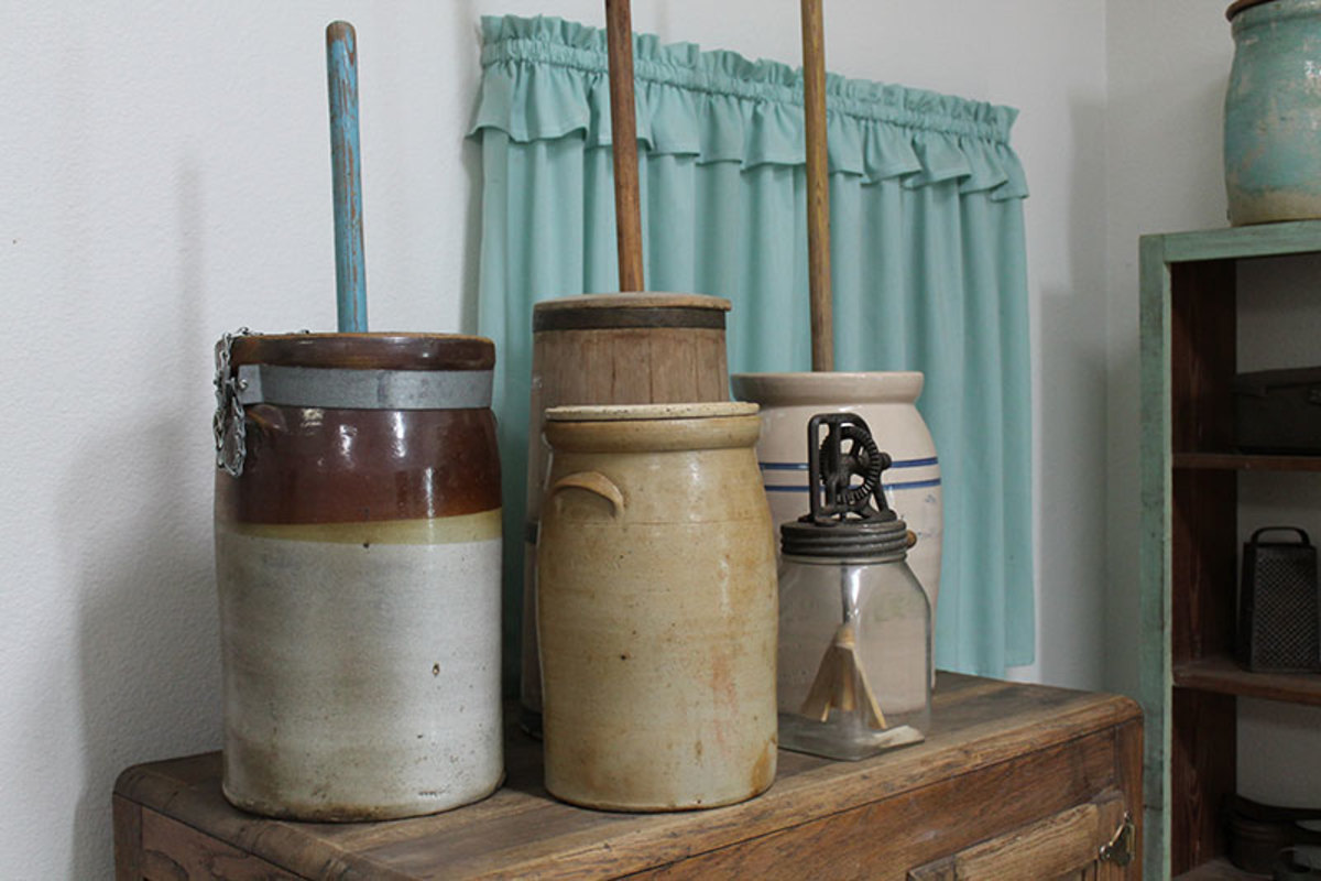 Vintage pottery dash churns