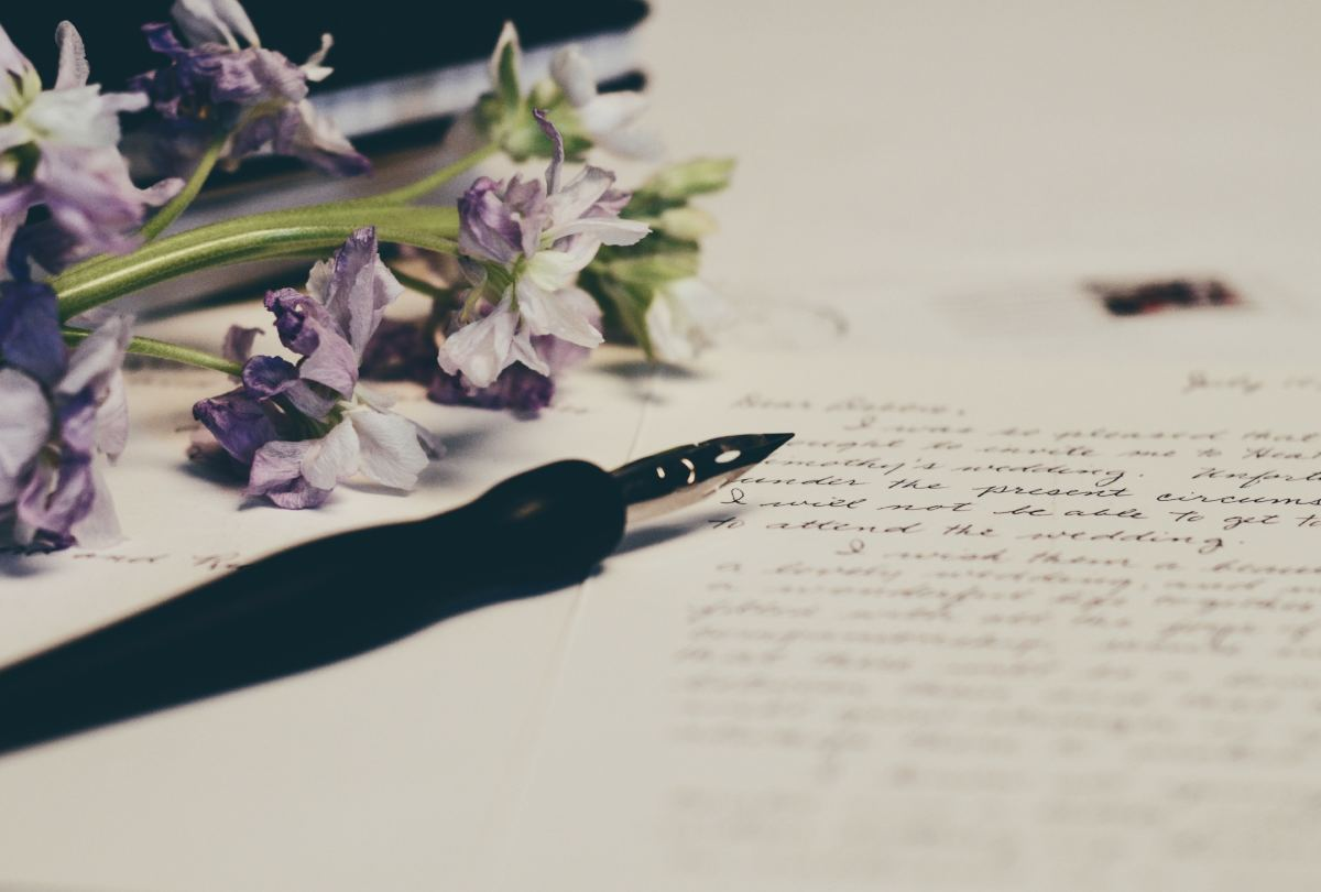 Tips to Create the Perfect First Wedding Anniversary Paper Gift Idea: Love Letters