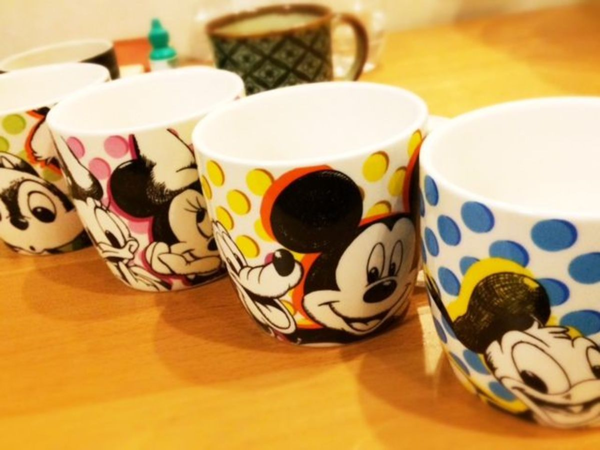 My exclusive to the Tokyo Disney Store Mug collection. Received this as a gift for my birthday in early 2014. I love these!