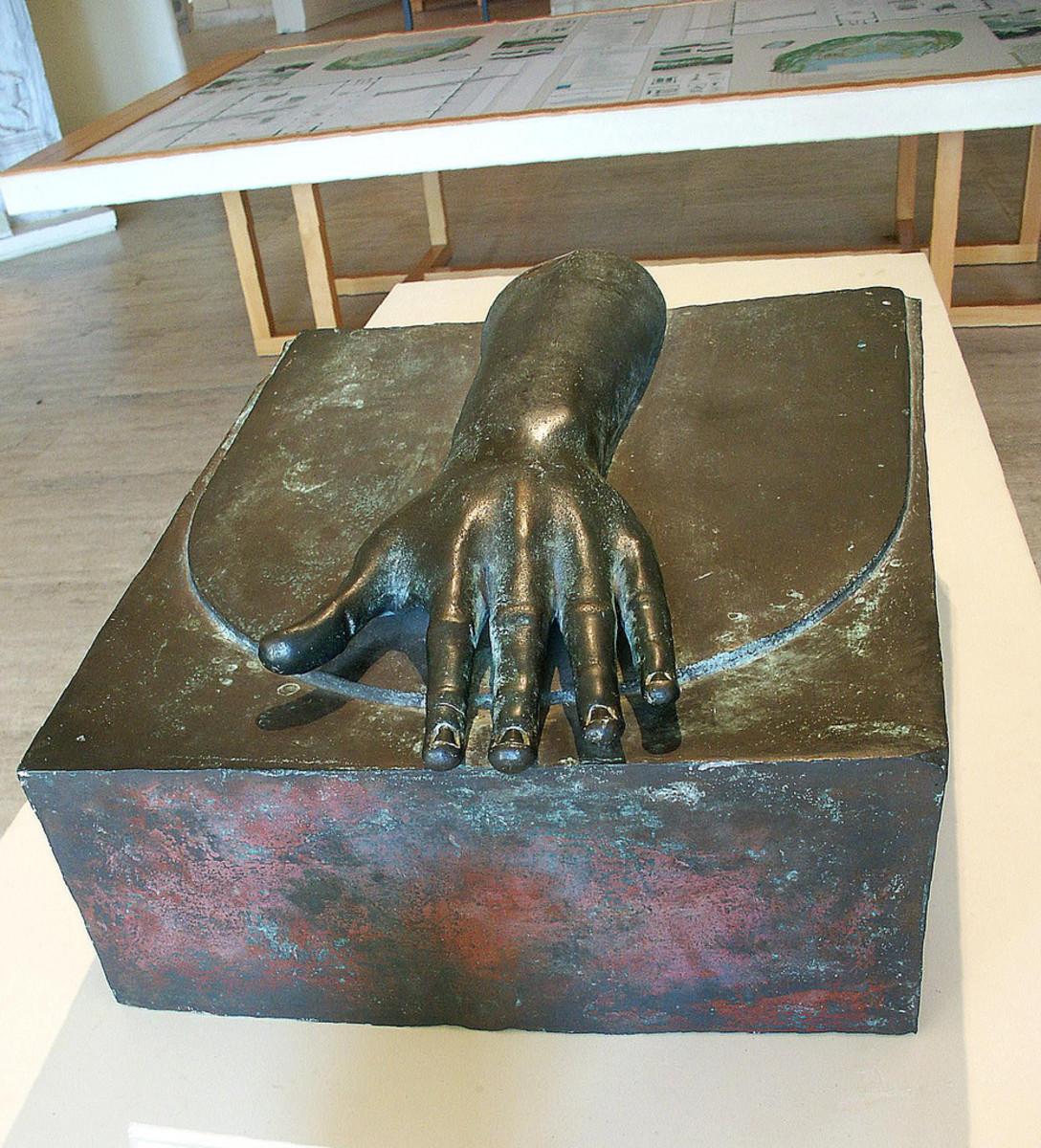 Bronze hand beam finisher