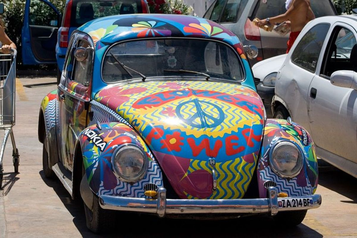 Description   Hippie bug!   Date   24 July 2007, 12:31   Source   Hippie bug by Mathias Degen from Cologne, Germany