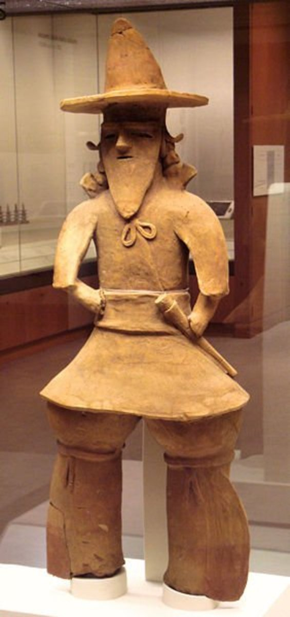 A haniwa statue, showing the significant changes in style from the Yayoi to Kofun periods--namely, pants and hats.