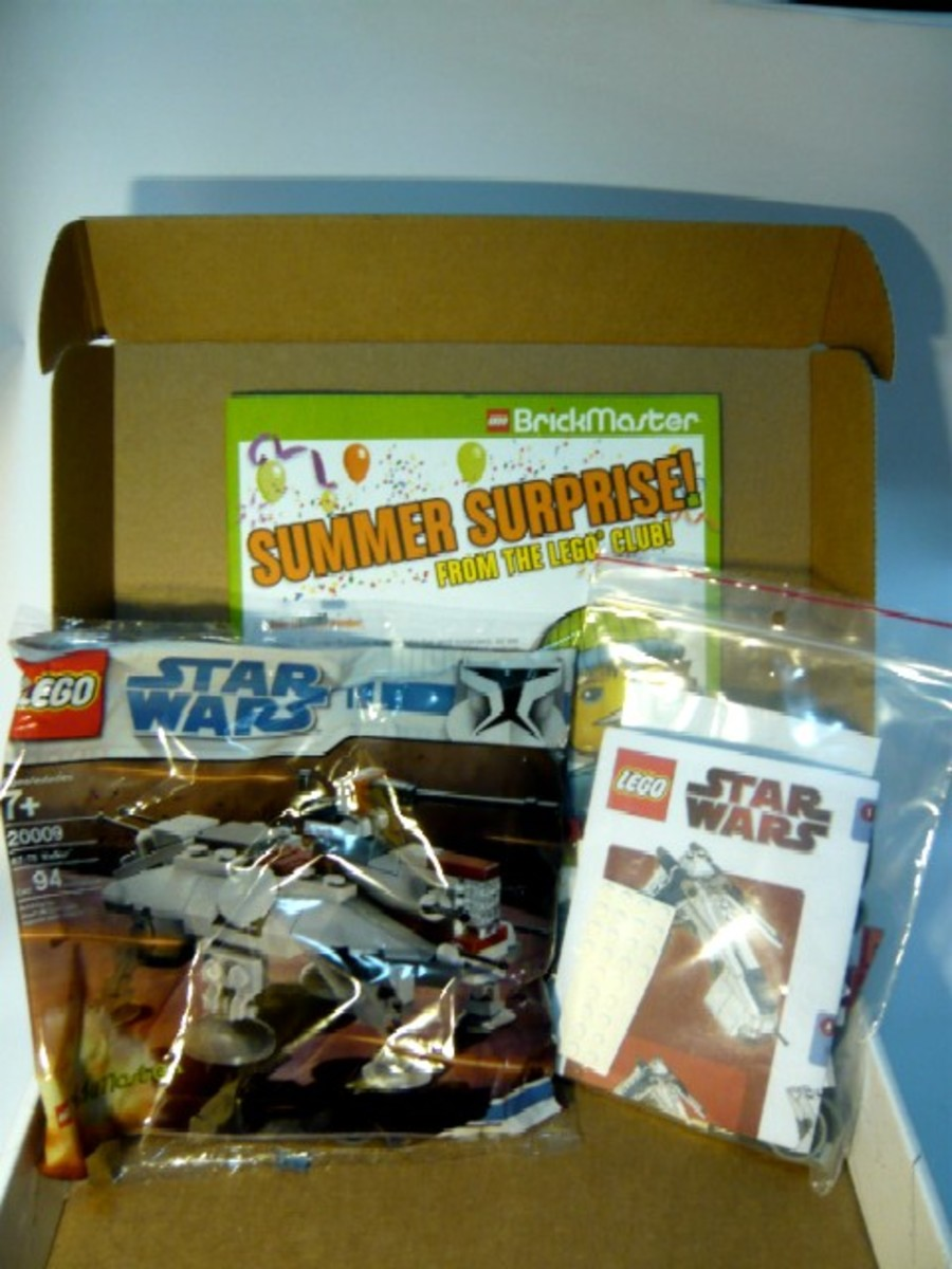 SDCC 2009 LEGO Star Wars Republic Dropship & AT-TE comcon10 Box Open