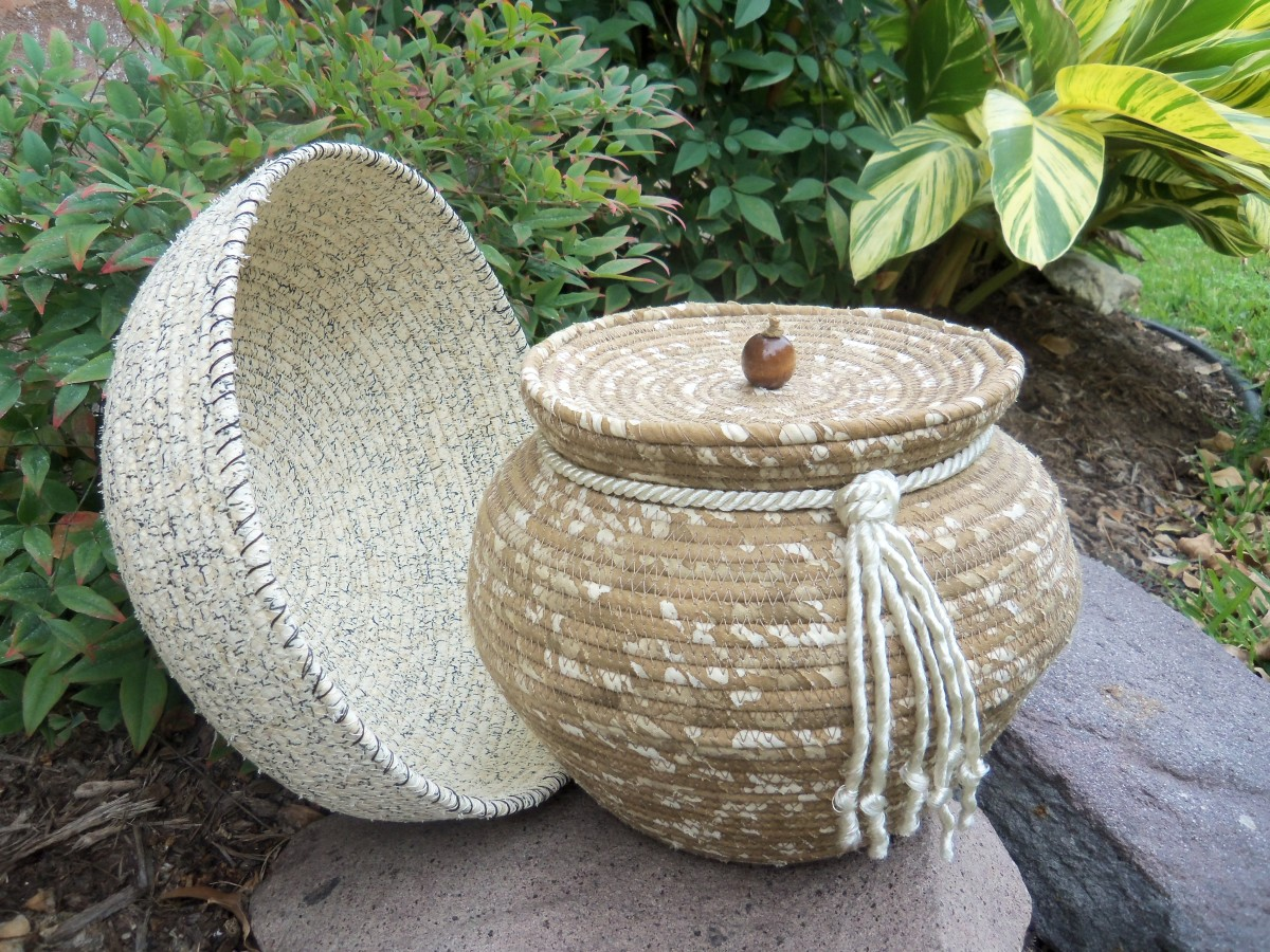 Arts crafts stunning pottery made using fabric hubpages for Arts and crafts pottery makers