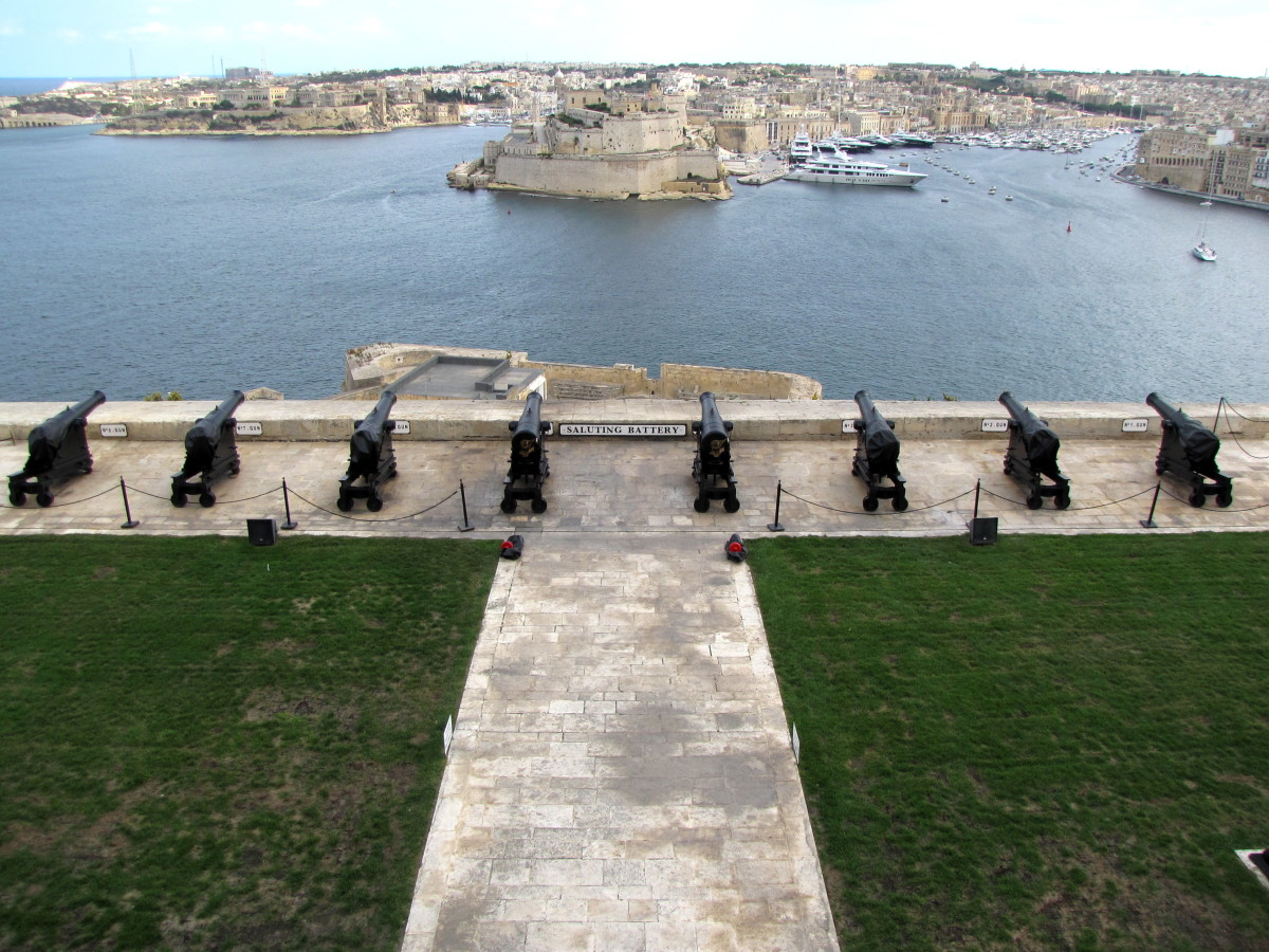 Visiting the Barrakka Gardens of Valletta, Malta