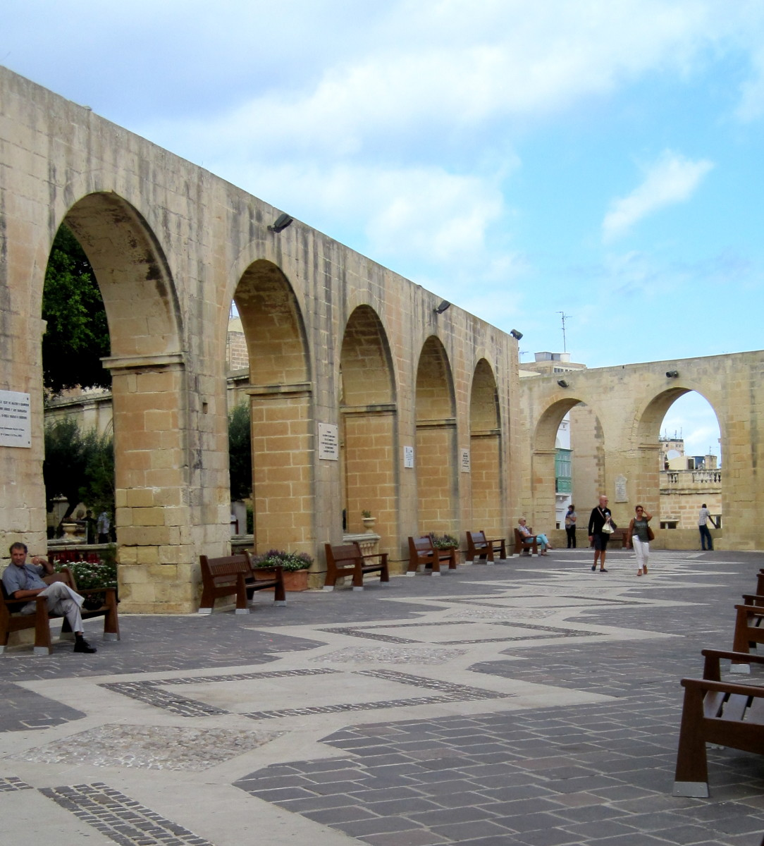The Colonnade of the Upper Barrakka Gardens