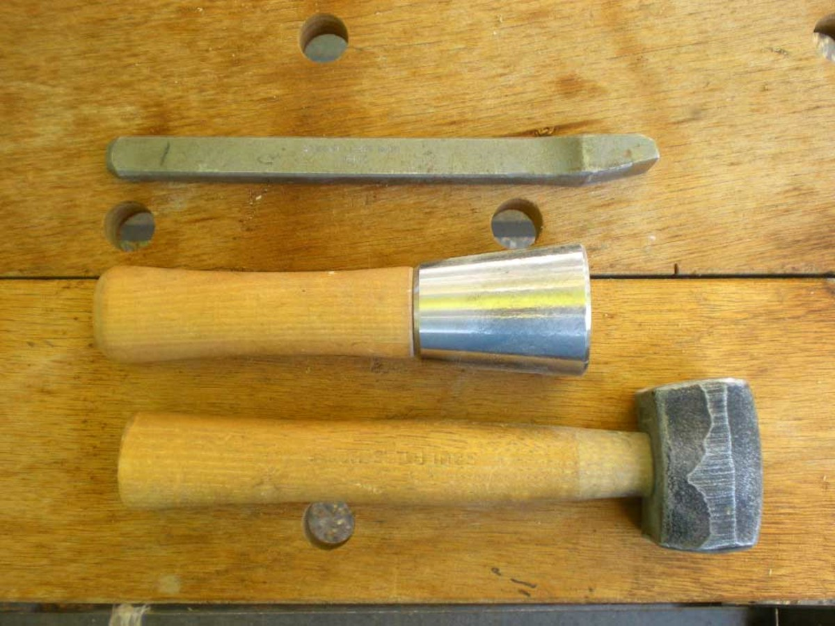 Different mallets and pitching tool