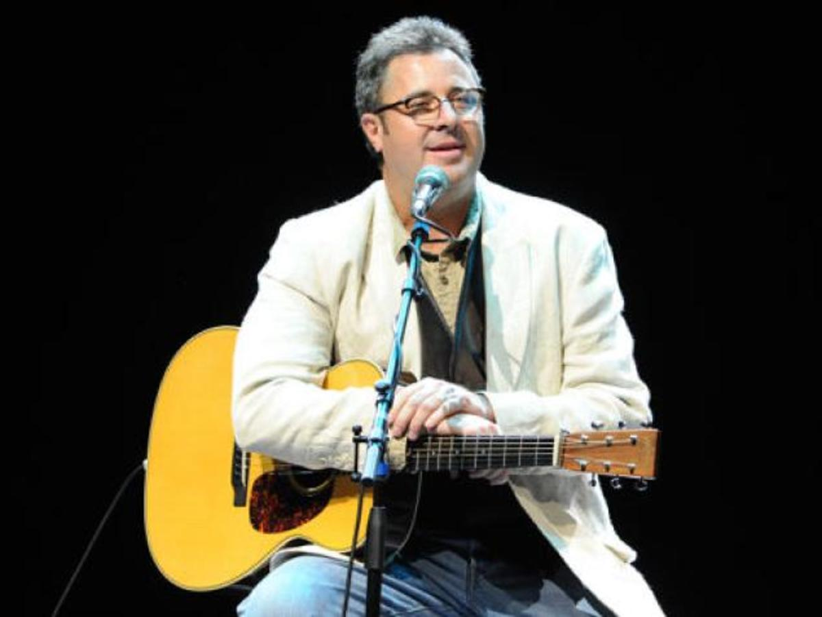Vince Gill (Yes, I really did put 3 pictures of him up here. He is so handsome.)