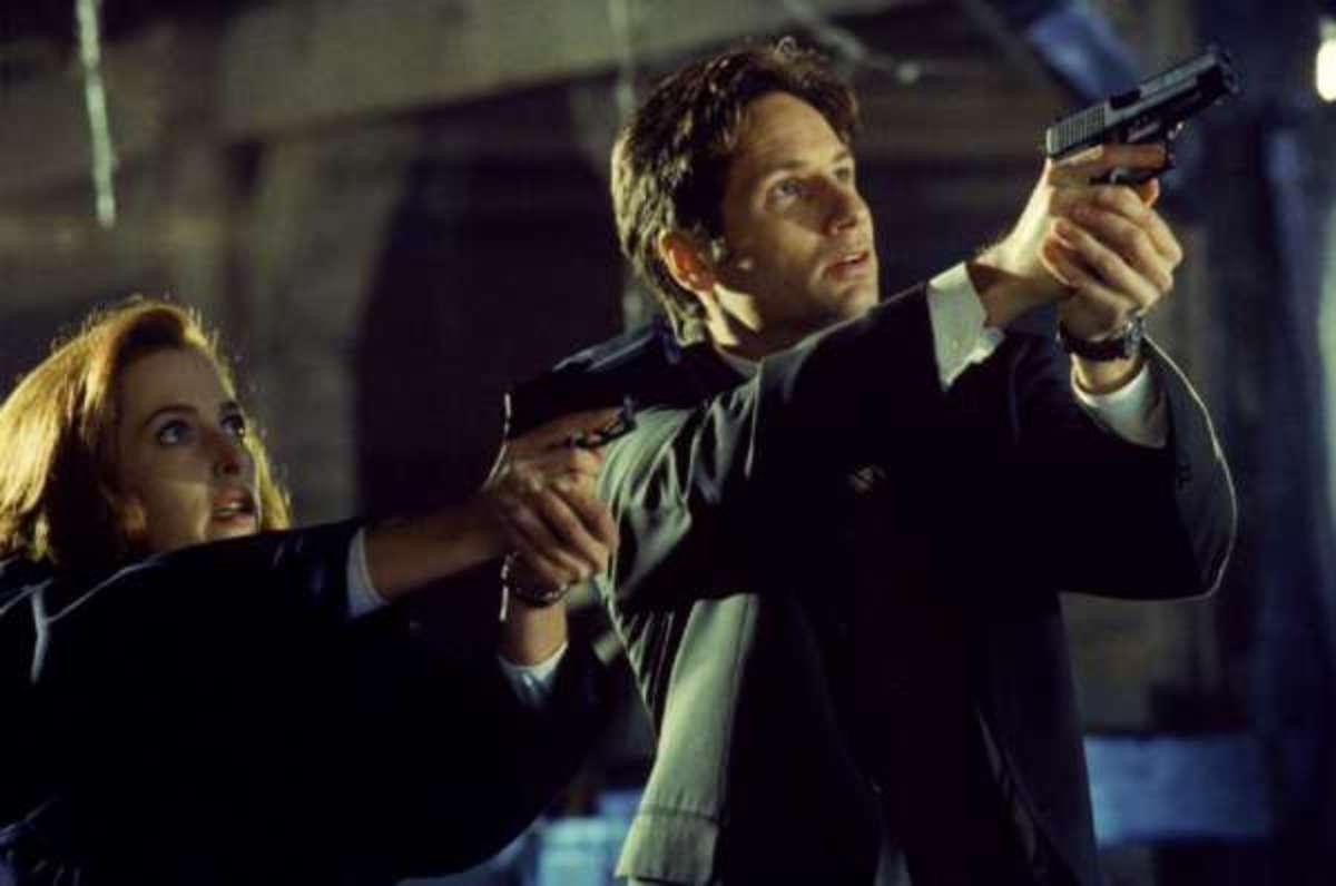 FBI Agents: Fox Mulder and Dana Scully