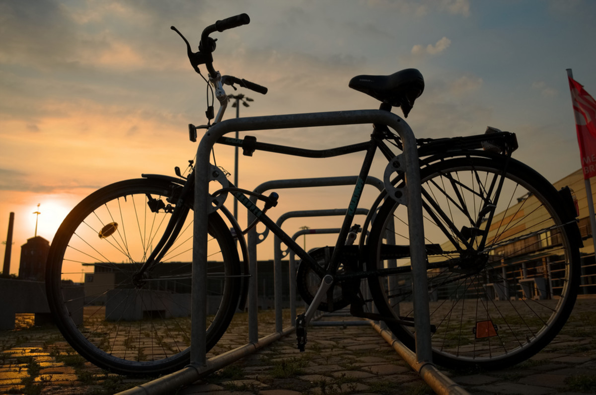 A beautiful photograph, but this bicycle is vulnerable with nothing but a cable lock to secure it.