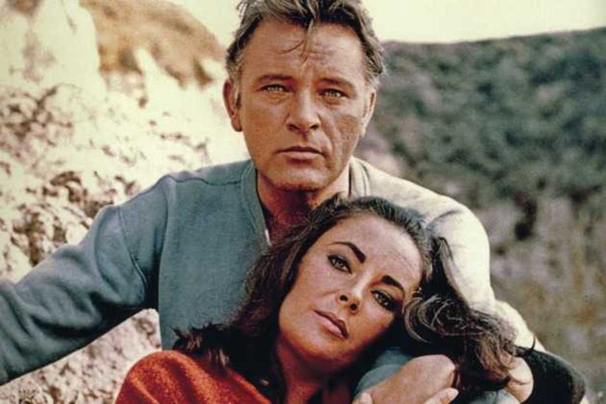 Richard Burton and Elizabeth Taylor. The two most famous Hollywood Lovers who just couldn't stay faithful!