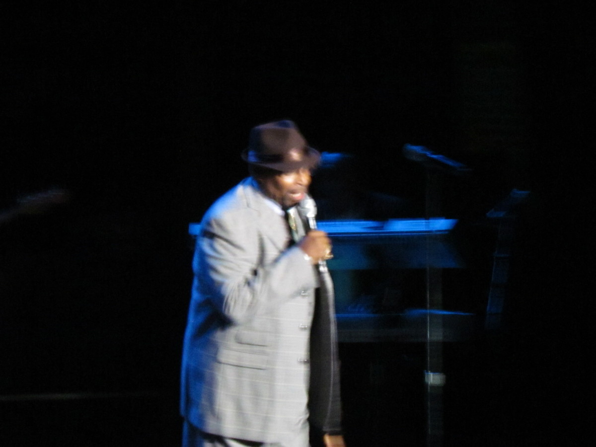 Keith Rock served as one of the Comedians for this night of love songs and oldies.