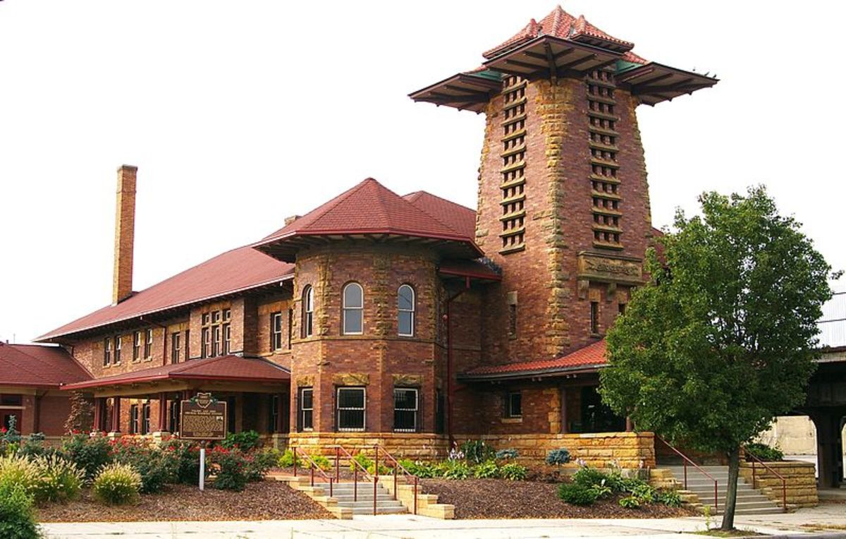 Toledo & Ohio Central Railroad station, 1895 - 1930. Now a historic landmark.
