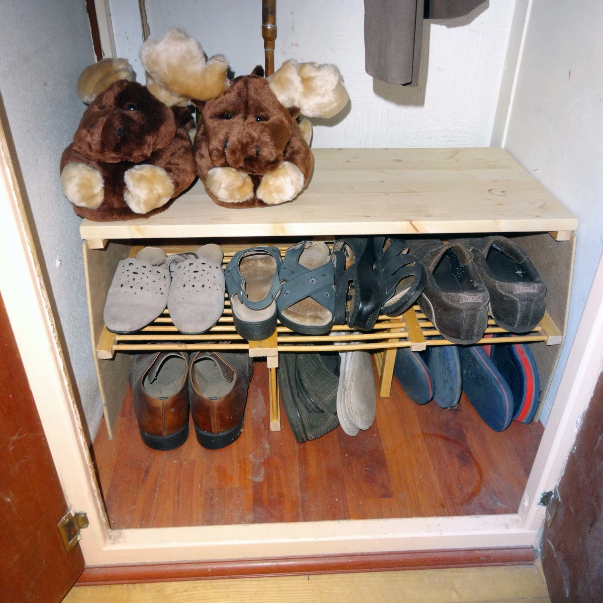 Making a Shoe Rack From an Old Dish Rack