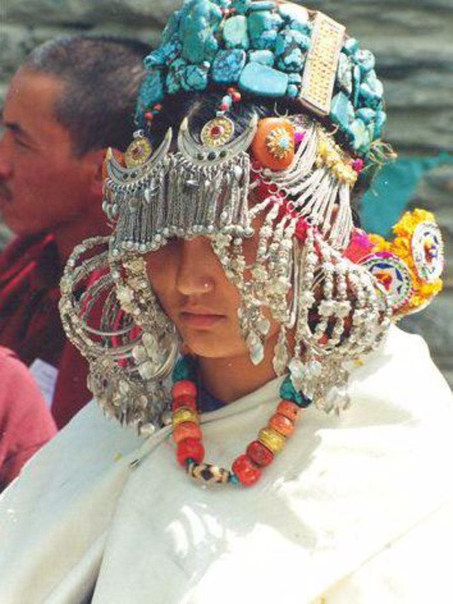 Women in Traditional Jewelries