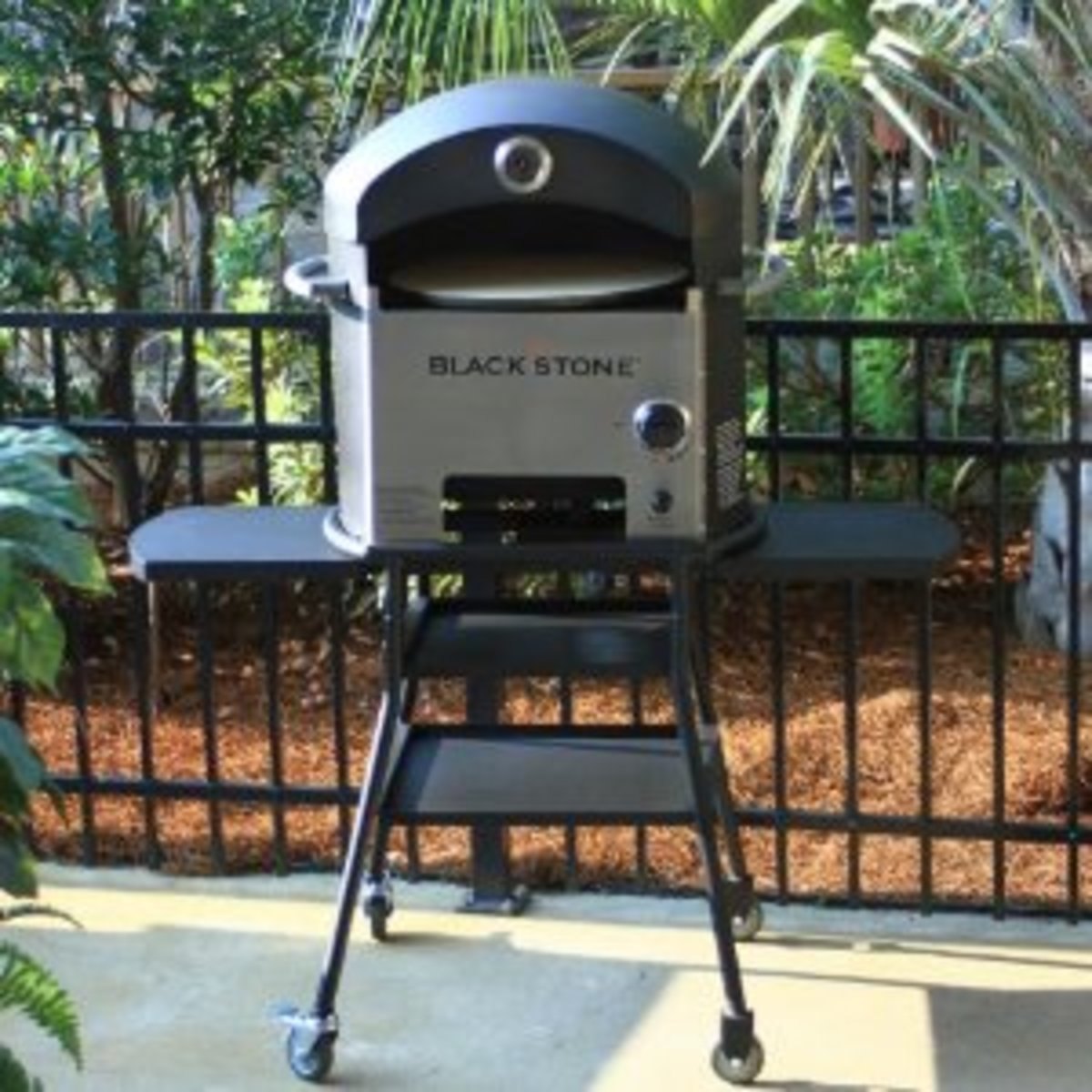 The Blackstone 1575 Outdoor Oven