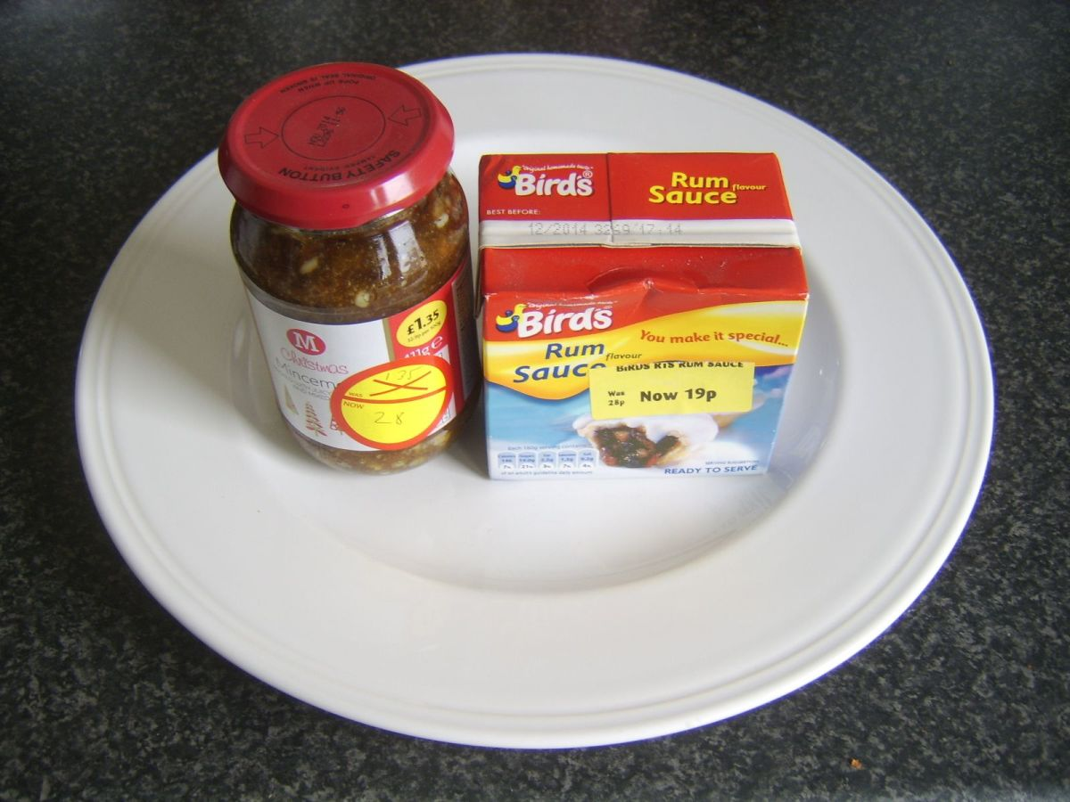Bargain mincemeat and rum sauce
