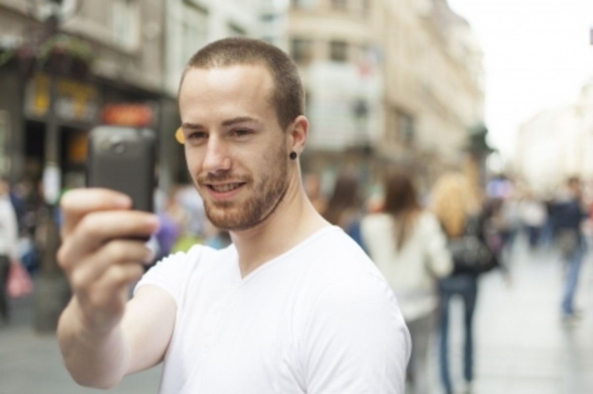 Attracting women involves posting a real facebook profile photo.