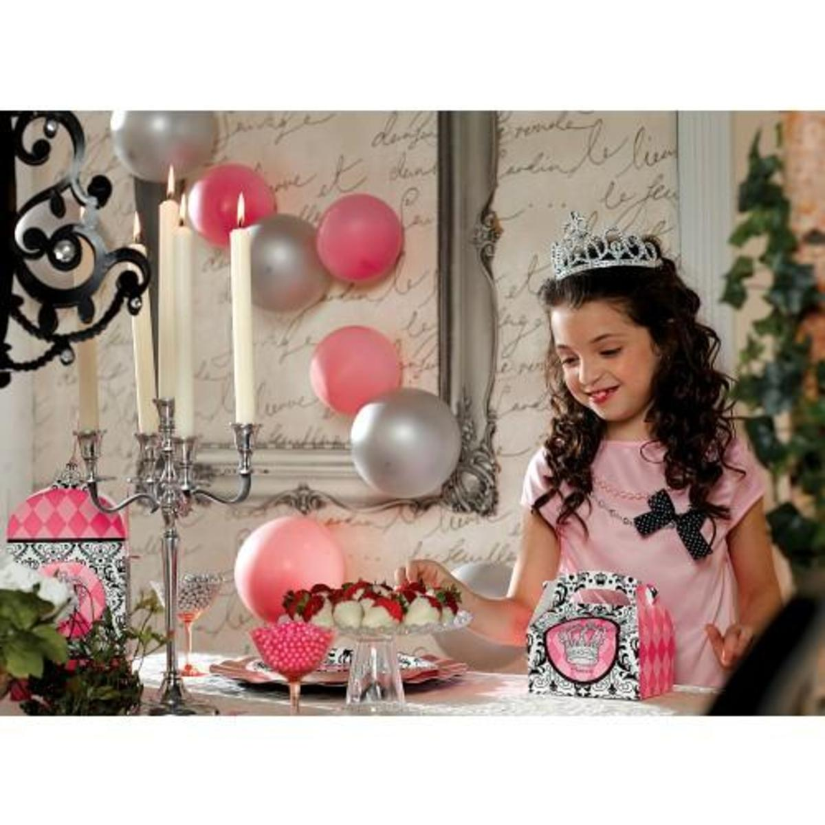 Elegant Princess Damask Party Supplies