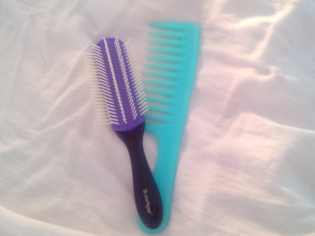It's important to use wide-toothed combs and modified brushes. While combs and brushes are great for distributing sebum in straight hair, they can cause breakage for curls.