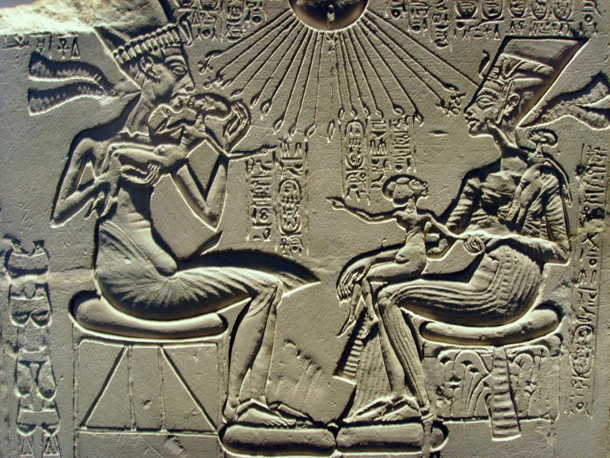 Akhenaten and Nefertiti with their children