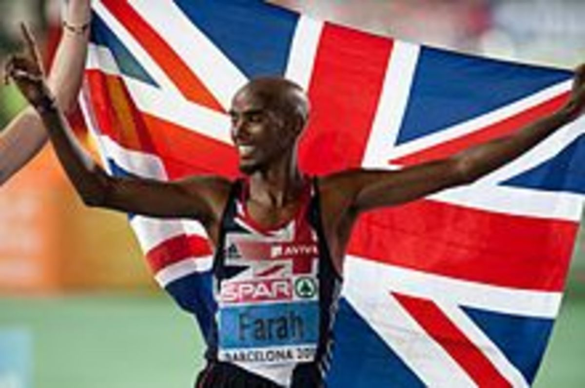 Farah celebrates winning the 10,000 m at the 2010 European Athletics Championships