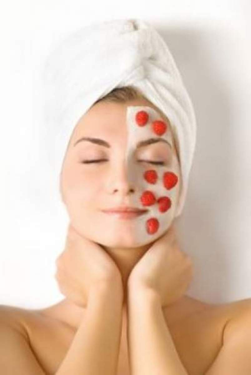 Facial masks made with natural ingredients will help your skin glow.