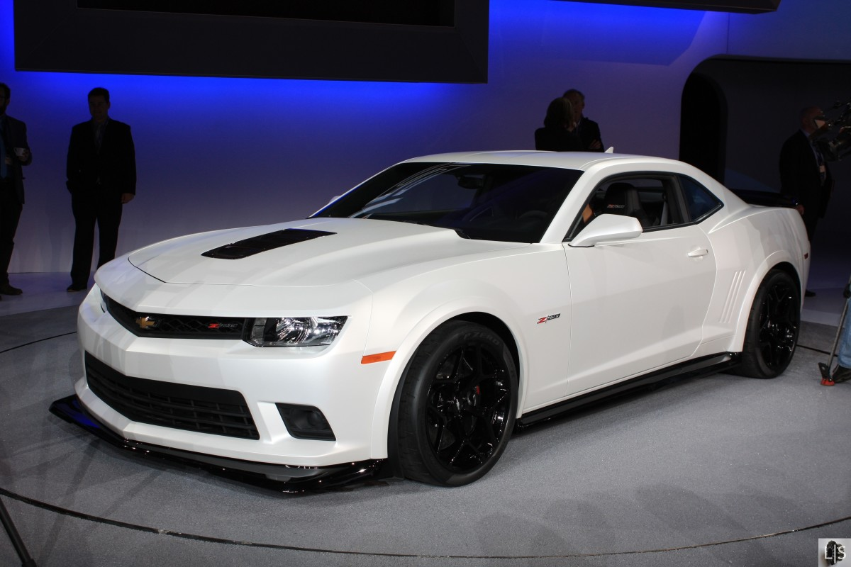 2015 chevy camaro vs 2015 ford mustang vs 2015 dodge. Cars Review. Best American Auto & Cars Review