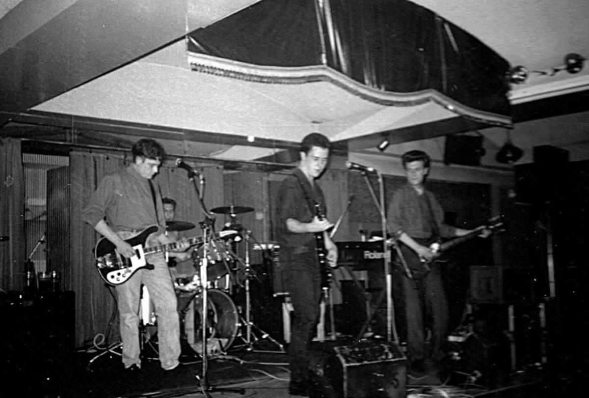 The Alvaros, 1989