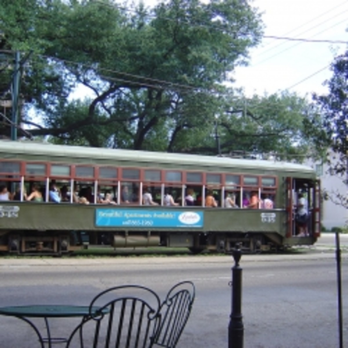 The Sights and Sounds of a New Orleans Streetcar