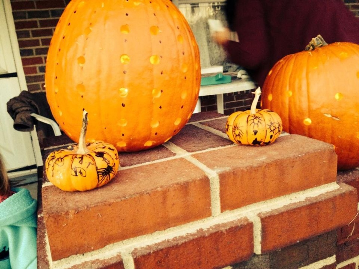 We were done doing our pumpkins and waiting for nightfall! DIY Easy Pumpkin Decorating Ideas