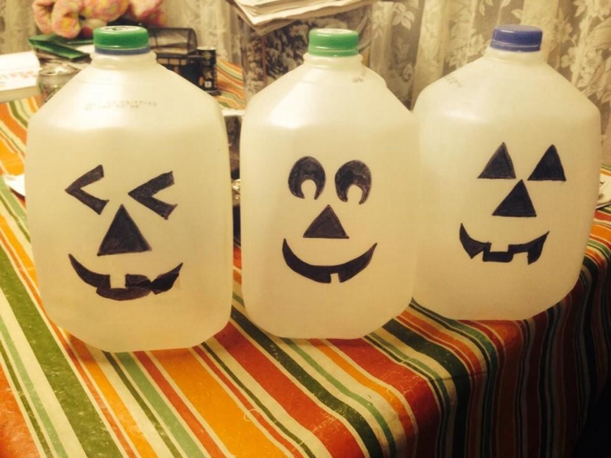 DIY Easy Pumpkin Decorating Ideas Milk Jug Pumpkins