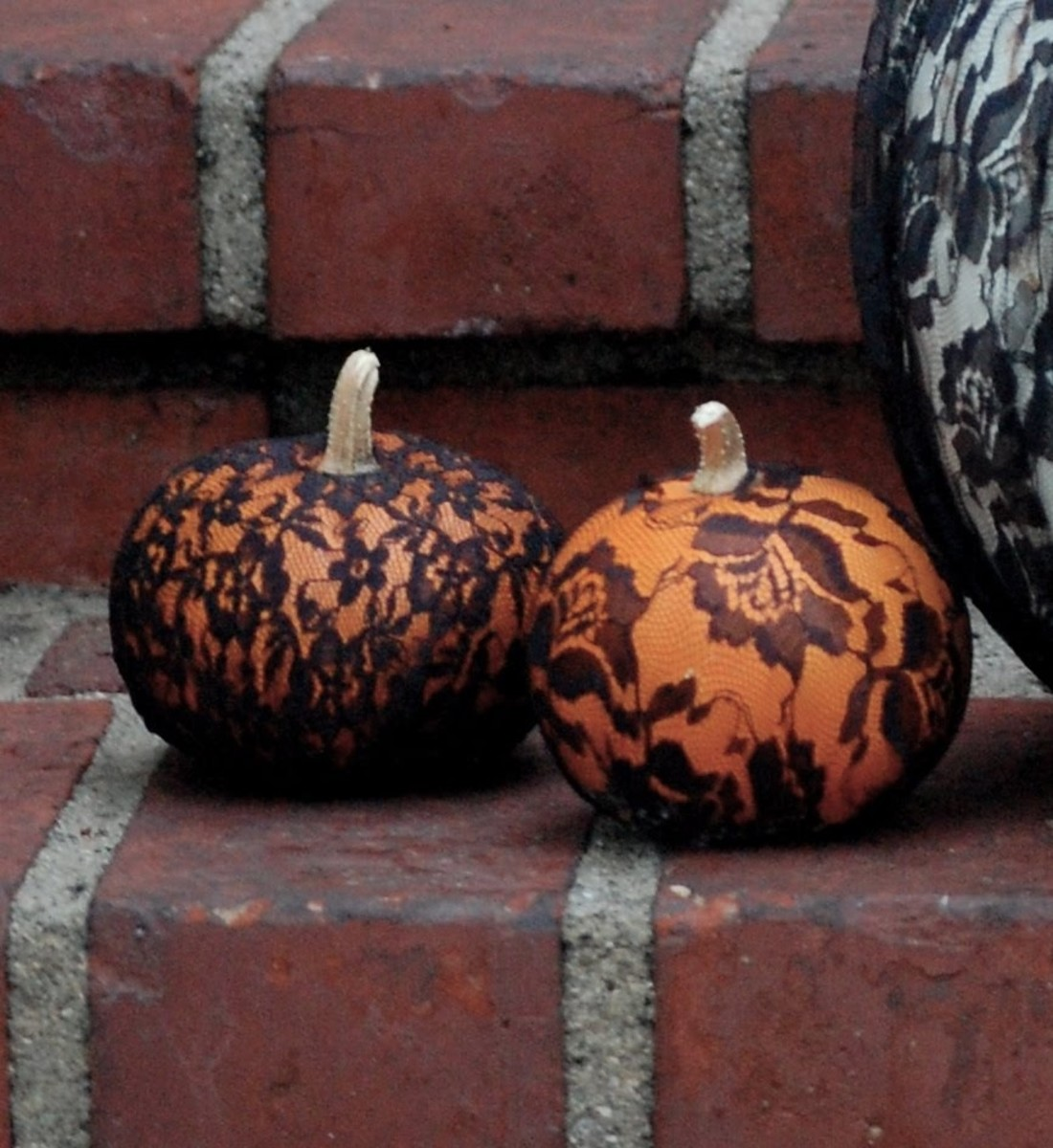 DIY Easy Pumpkin Decorating Ideas Laced Covered Pumpkins