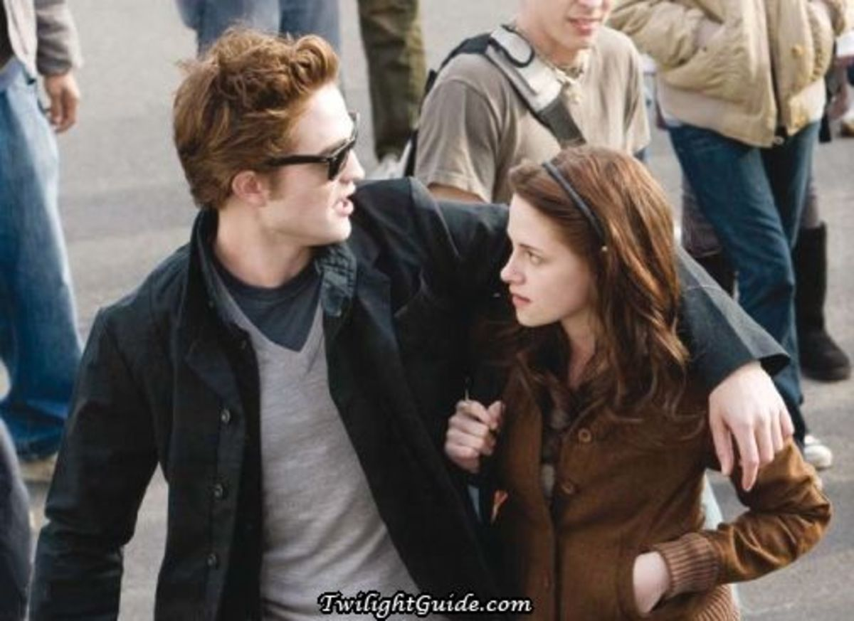 Edward and Bella in the 2008 movie, Twilight