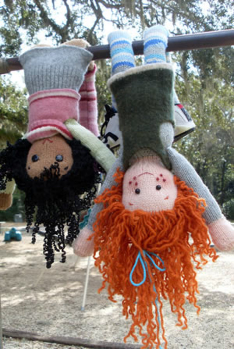 free-patterns-for-knitting-dolls-and-their-clothes