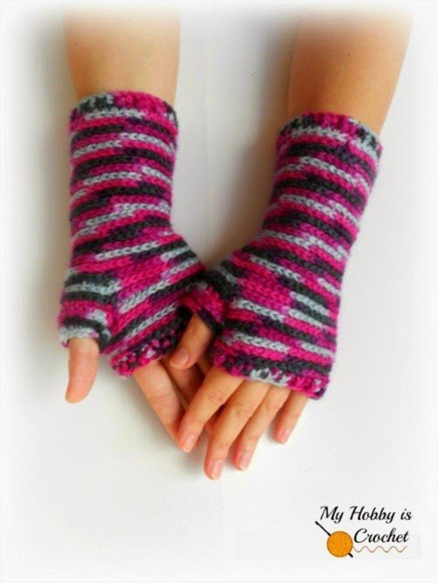 Bella Brick Crochet Wrist Warmers