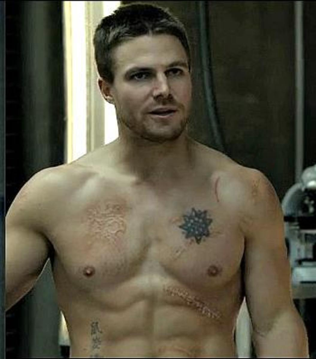 Stephen Amell Workout - Get a Ripped Superhero Body Like the Arrow
